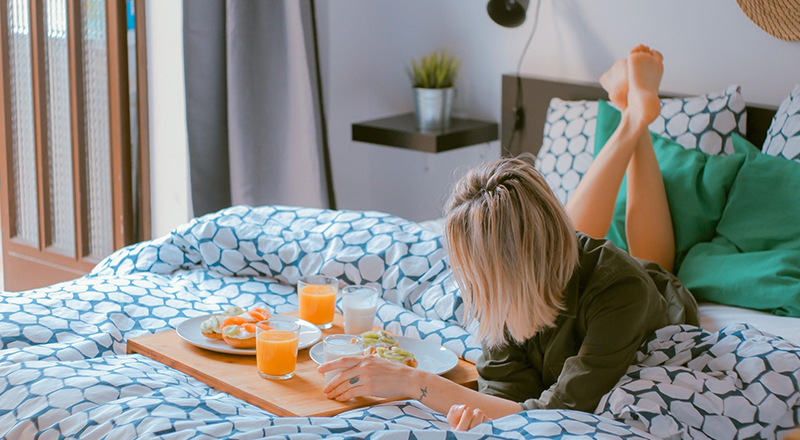 Guests eat their meal on bed that causes problem- Zeevou